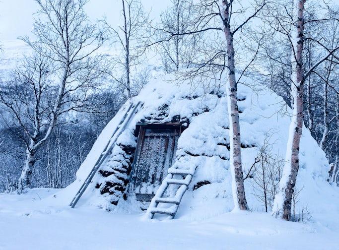 Abisko - Cultural history guided tour of a Sámi camp