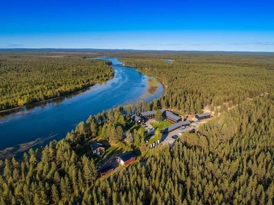 STF Arctic River Lodge